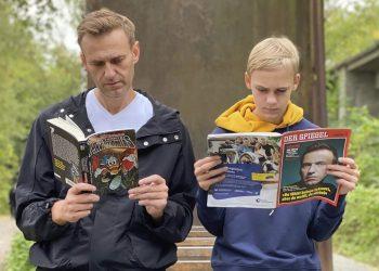 Alexej Navaľnyj  so synom (Foto: SITA/AP/Navalny instagram)