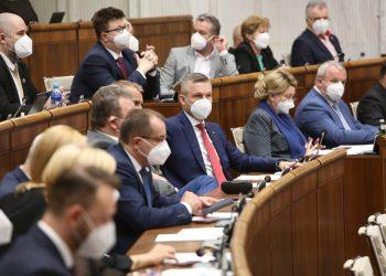 Atmosféra počas rokovania 25. schôdze Národnej rady SR. Bratislava, 30. marec 2021 (Foto: SITA/Kancelária Národnej rady SR)