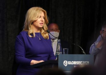 Prezidentka SR Zuzana Čaputová (vľavo) v príhovore počas medzinárodnej konferencie GLOBSEC 2021 Bratislava Forum. Bratislava, 15. jún 2021 (Foto: SITA/Alexandra Čunderlíková)