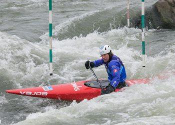 Slovenský reprezentant vo vodnom slalome Michal Martikán počas rozlúčky s traťou 1 v areáli vodných športov Divoká voda pred rekonštrukciou (Foto: SITA/Jana Birošová)